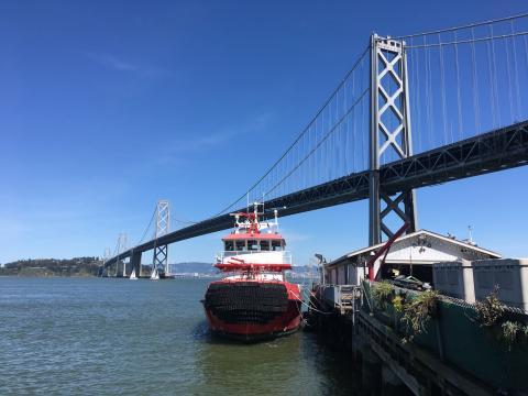 [Photo : Vue sur le Bay Bridge et la Baie de San Francisco]