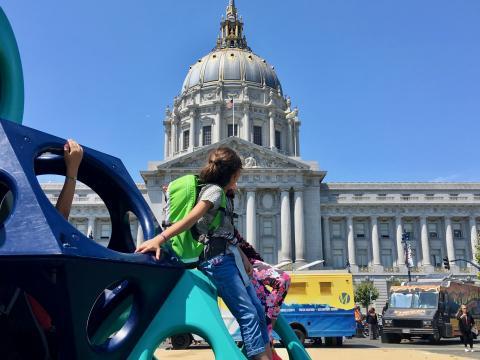 Jeux devant la mairie de San Francisco